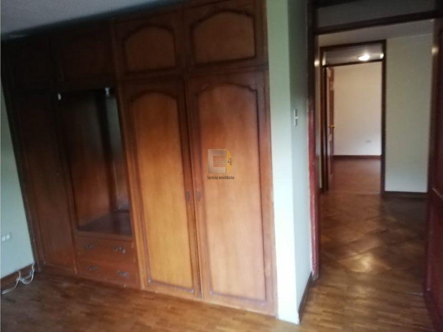 vendo casa con suite mitad del mundo