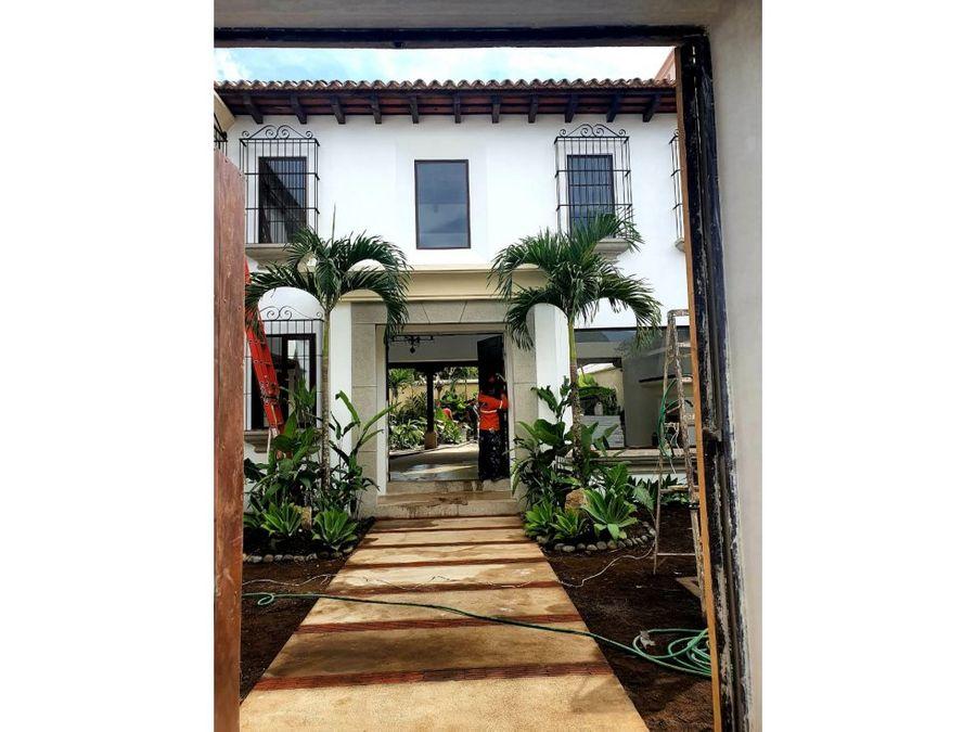 vendo casa en antigua guatemala