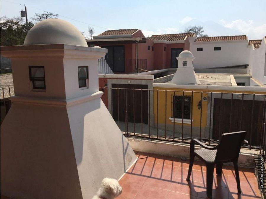 vendo casa en barrio las campanas antigua guatemala