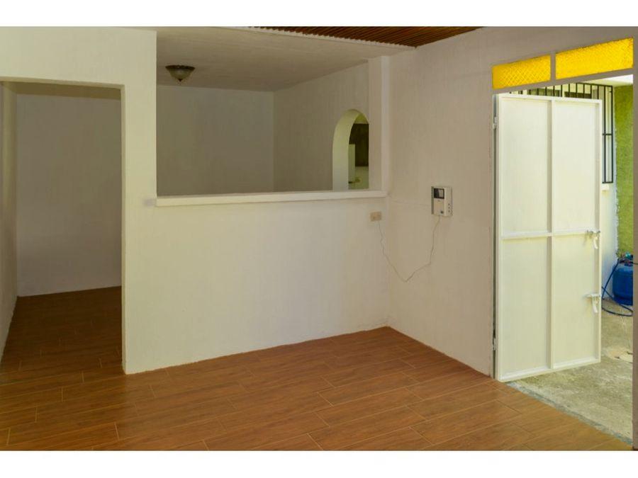 apartamento por club aleman y americano zona 15