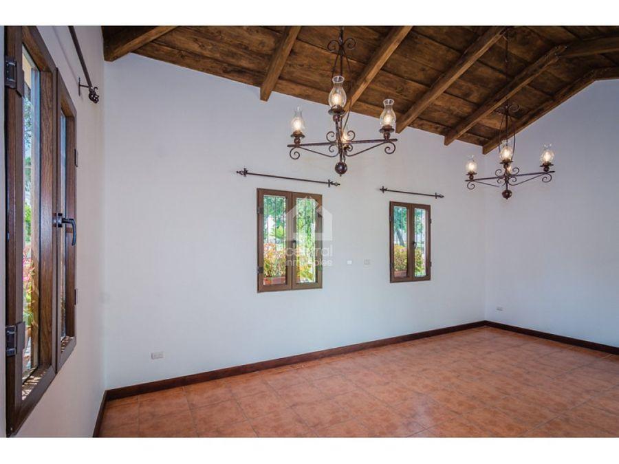 casa de esquina nueva en venta cerca de antigua guatemala