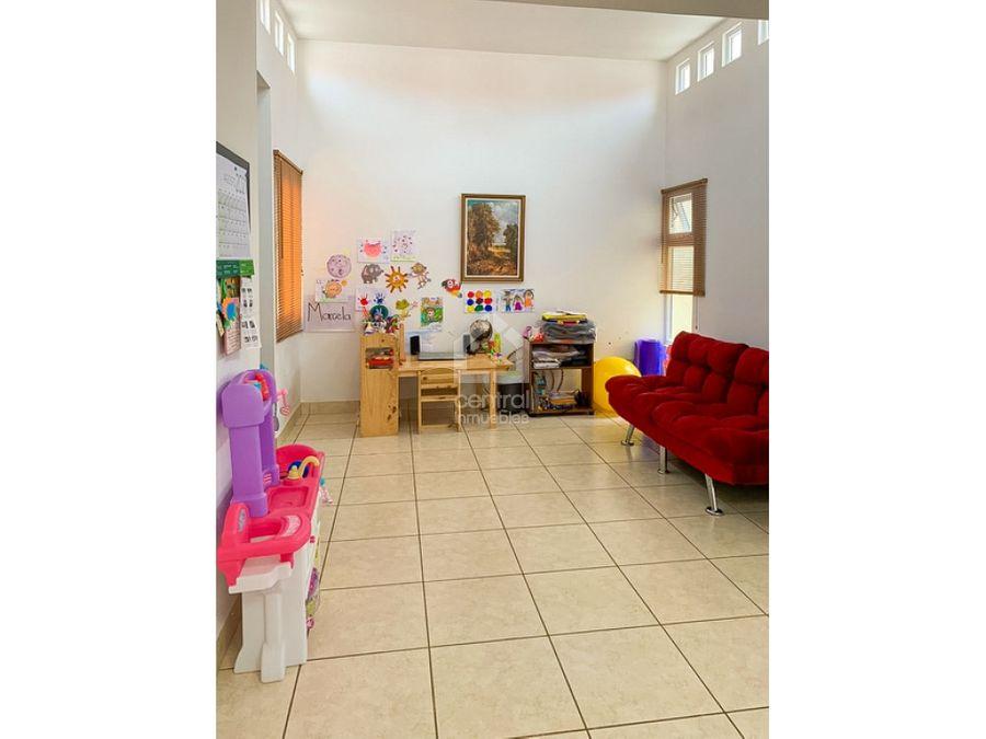 casa en venta en condado san nicolas zona 4 de mixco