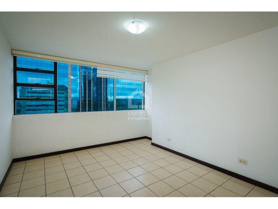 apartamento en renta de 2 habitaciones en santorini europlaza zona 14