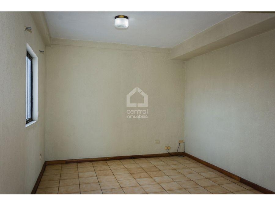 apartamento amplio en alquiler zona 13