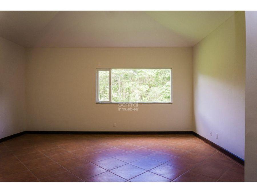 casa de un nivel en exclusivo condominio casa campo