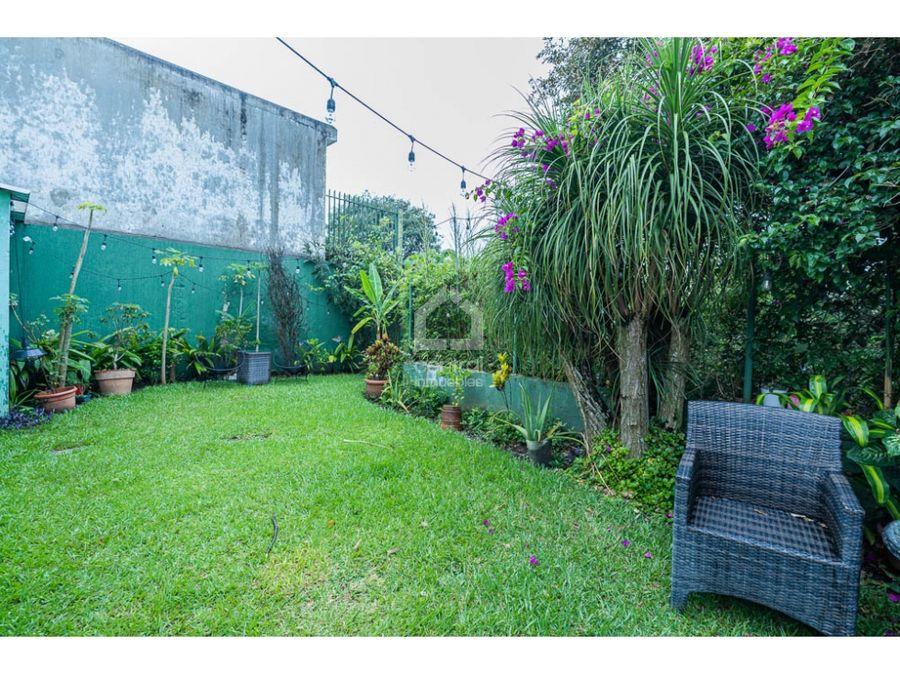 casa con 3 habitaciones y jardin en alquiler darue zona 14