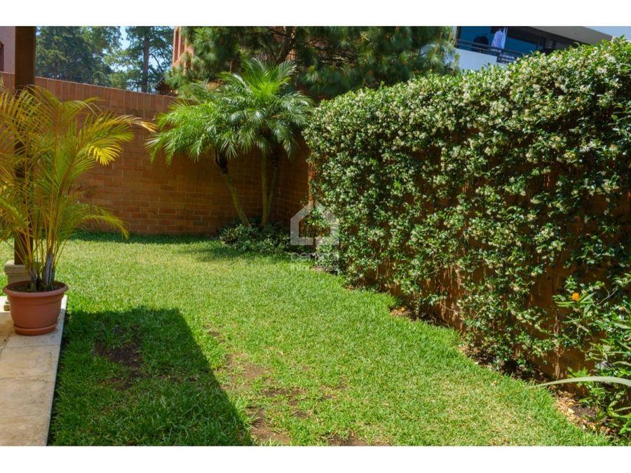 apartamento con jardin en zona 10