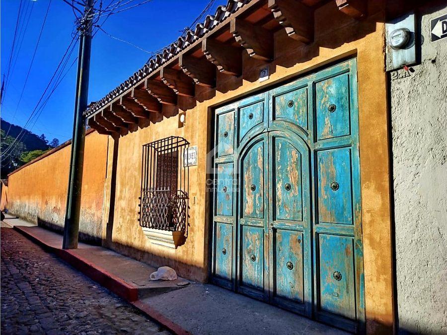 casa amueblada en alquiler renta en el casco de antigua guatemala