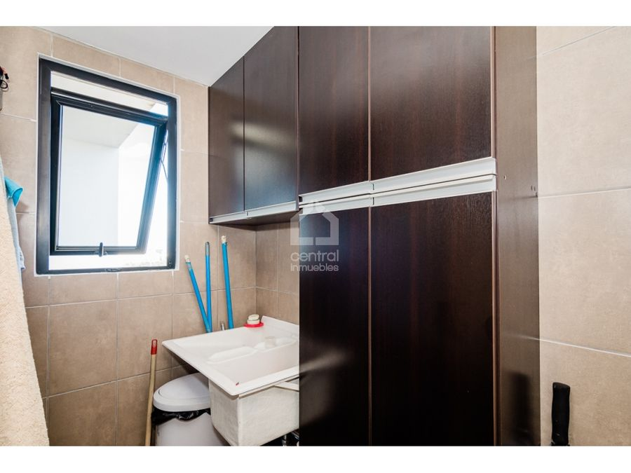 apartamento de 3 habitaciones con linda vista en venta zona 15