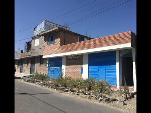 casa con dos tiendas en alto cayma zona dean valdivia 80 mil