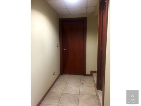 oficina en alquiler edificio avante zona 15