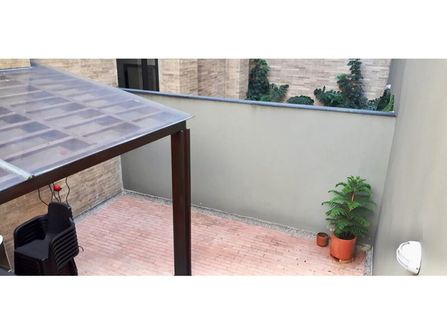 chico reservado apartamento 1h con terraza