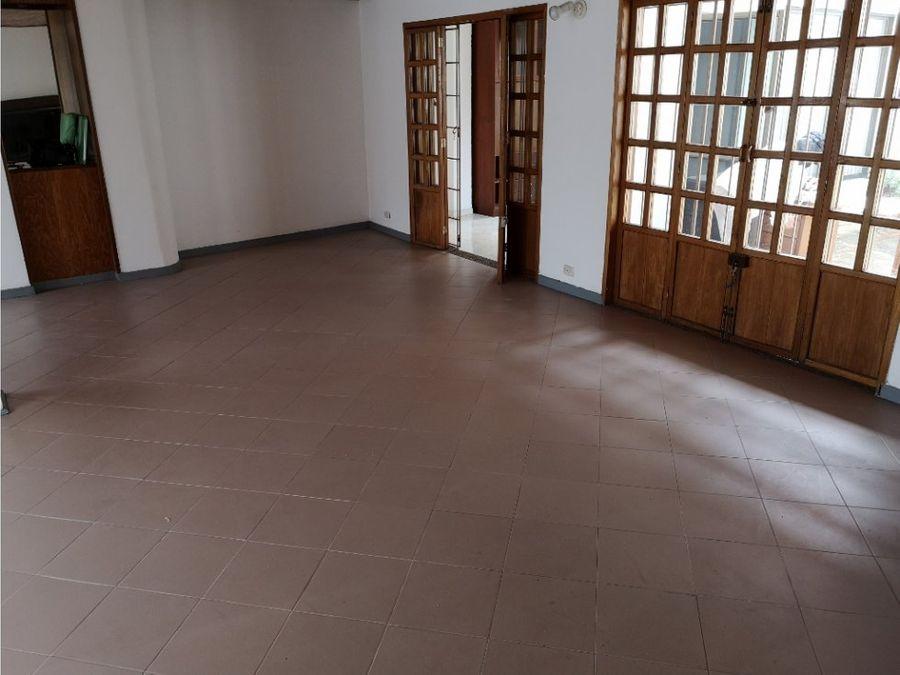 contador vendo casa en conjunto 270 m2