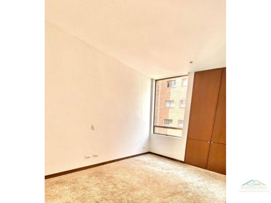 se arrienda apartamento con balcon en chico
