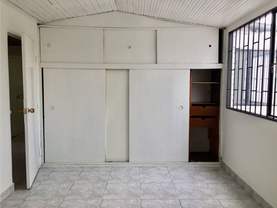casa uso comercial morato en via principal