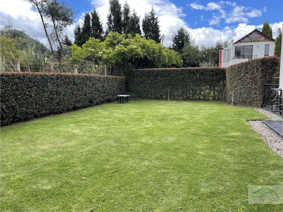 chia linda casa independiente con amplio jardin en conjunto