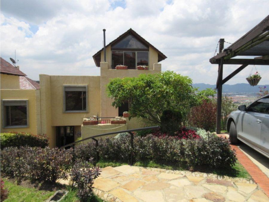 se vende casa en encenillos de sindamanoy