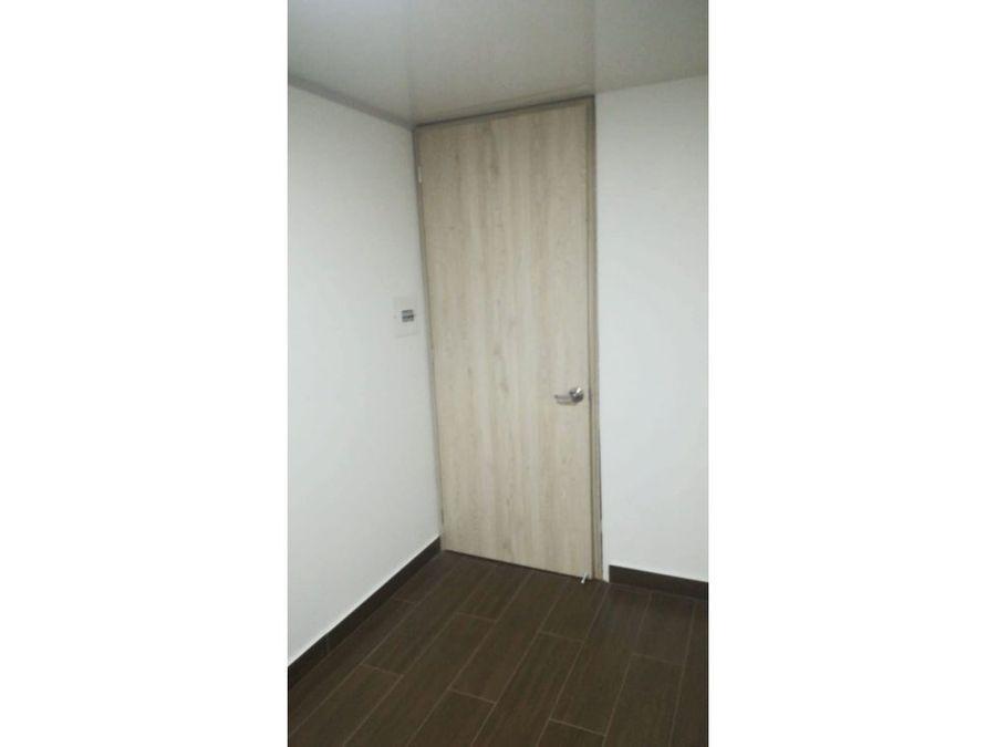 arriendo oficina 30 m2 chico calle 90
