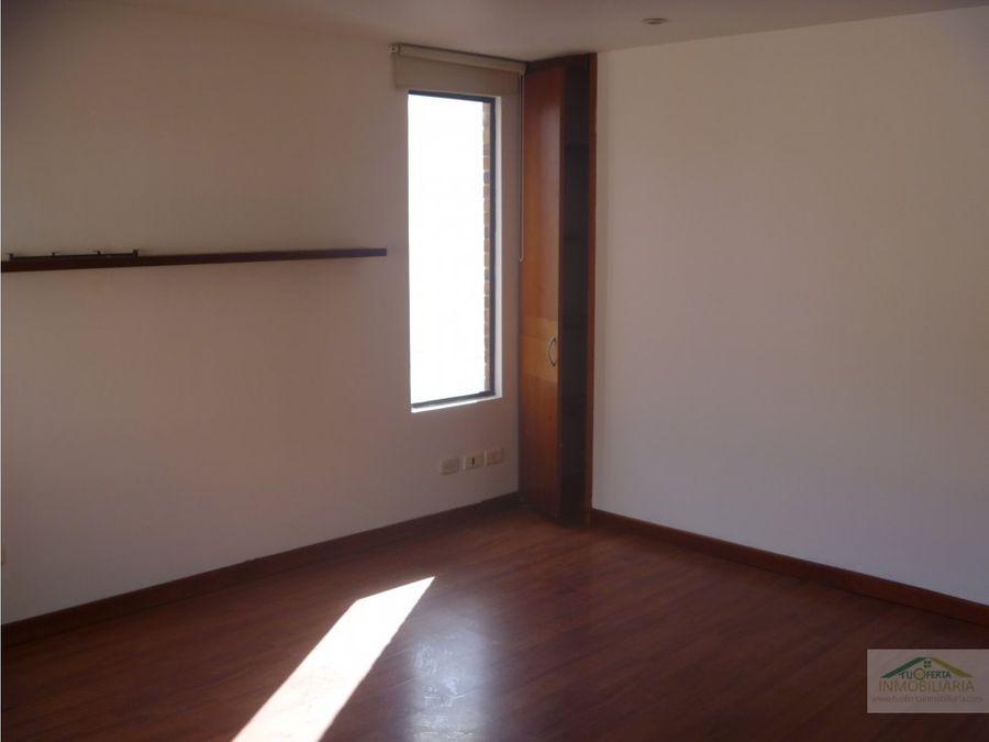 vendo apto chico navarra 150 m2 piso 5 exterior con balcon