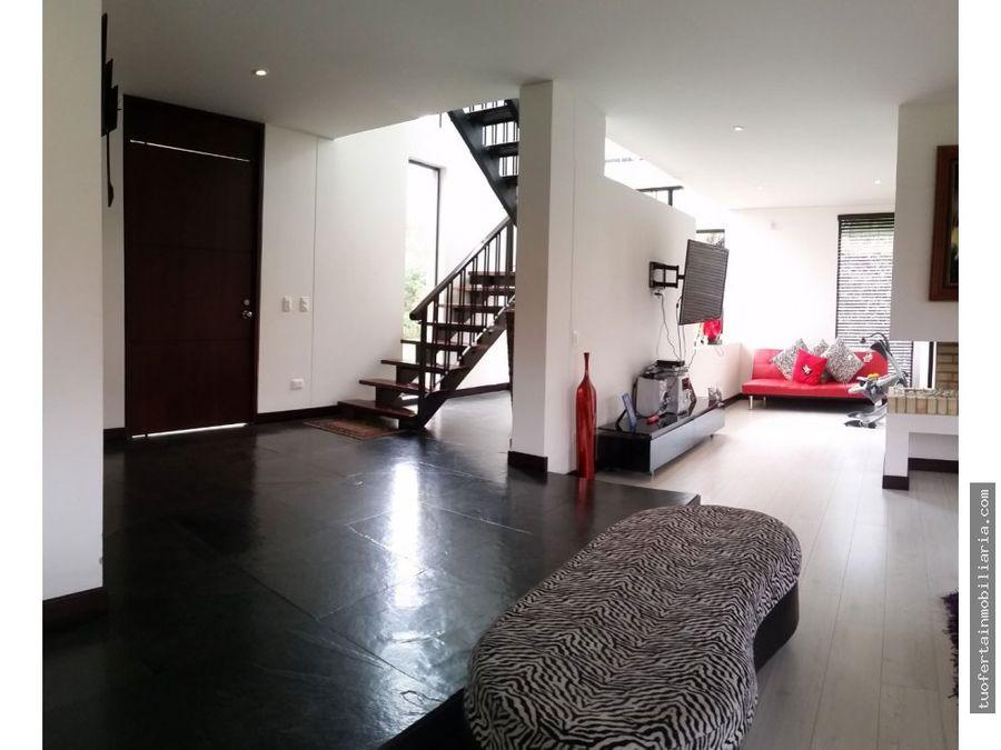 vendo hermosa casa en condominio chia
