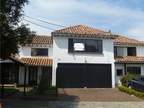 arriendo casa colonial santa ana 320 m2