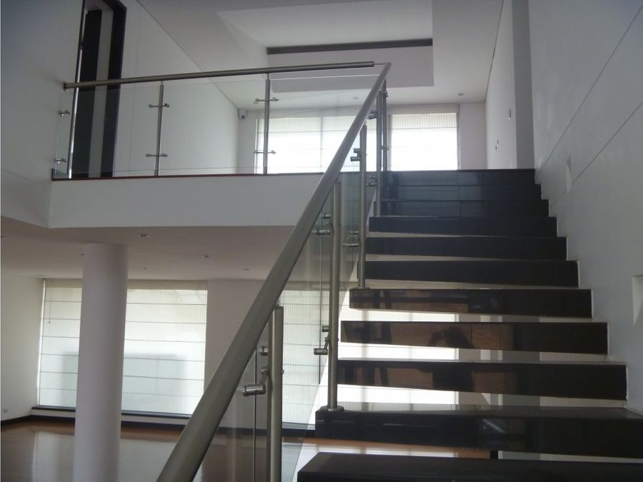 arriendo casa san jose de bavaria 520 m2
