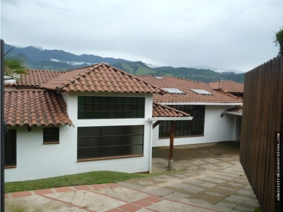 casa cerros de la alhambra manizales