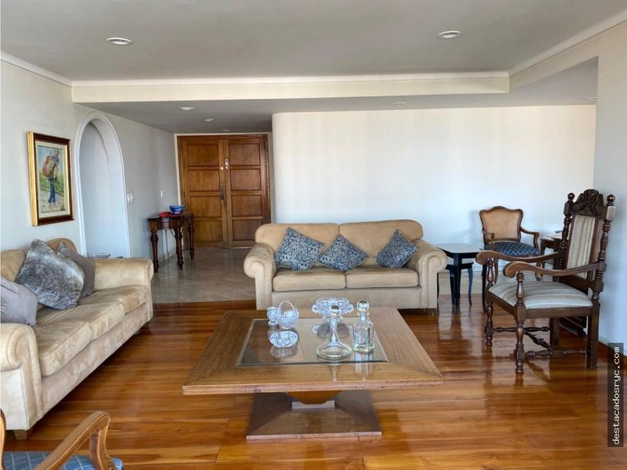 amplio apartamento en venta en el poblado los balsos
