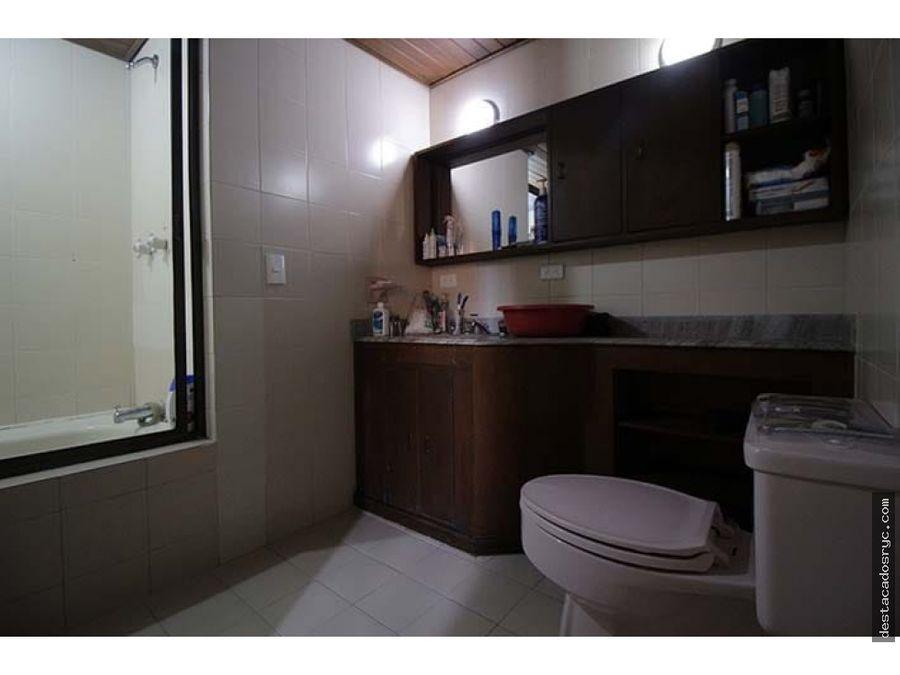 amplio apartamento en venta en el centro medellin