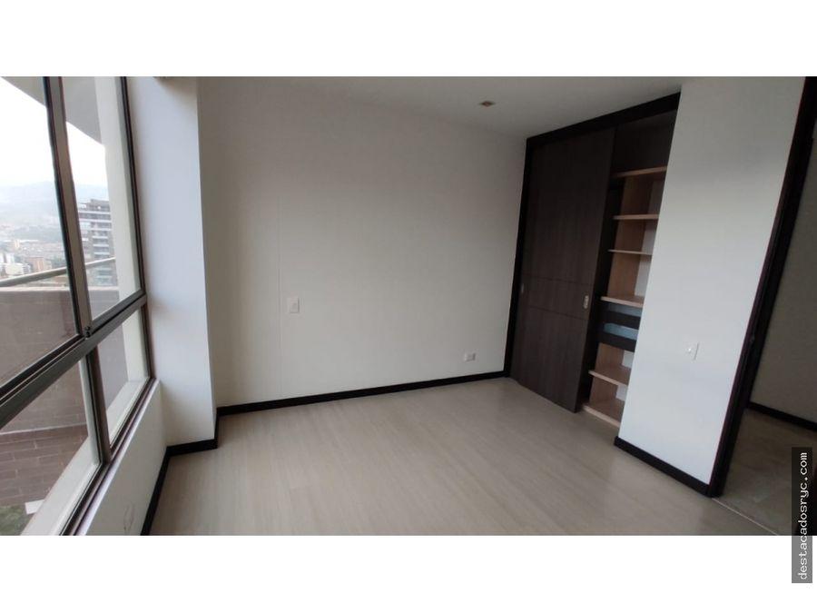 amplio apartamento en venta en el poblado sector castropol