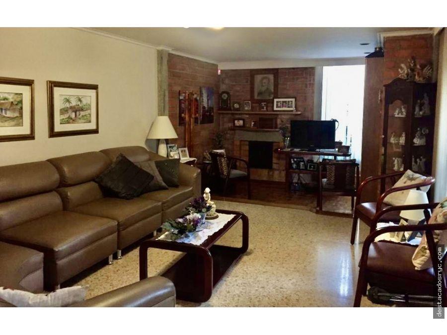 amplia casa en venta en medellin sector la visitacion