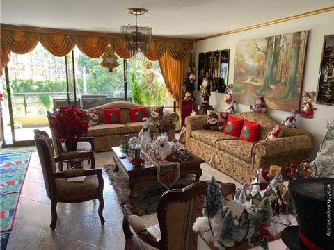 amplio apartamento en venta en el poblado la concha