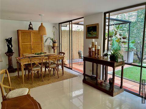 casa en venta en envigado sector loma del chocho