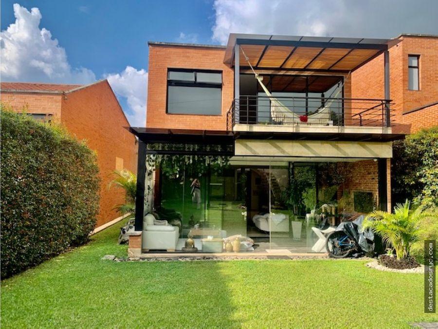 casa en venta en envigado sector la calleja