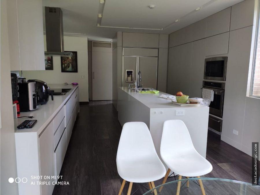 exclusiva casa en venta en el alto de las palmas