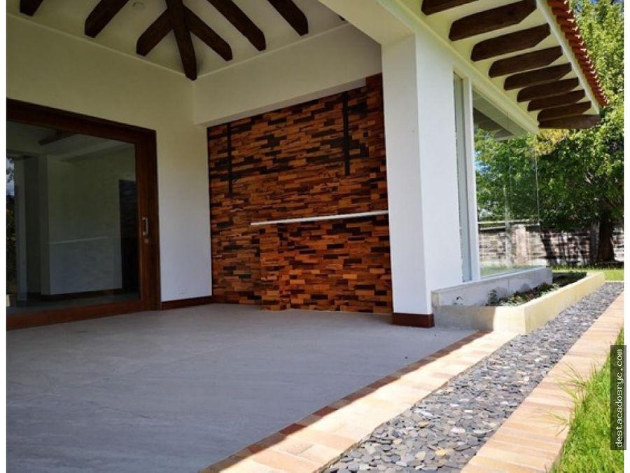 espectacular casa nueva en rionegro cabeceras