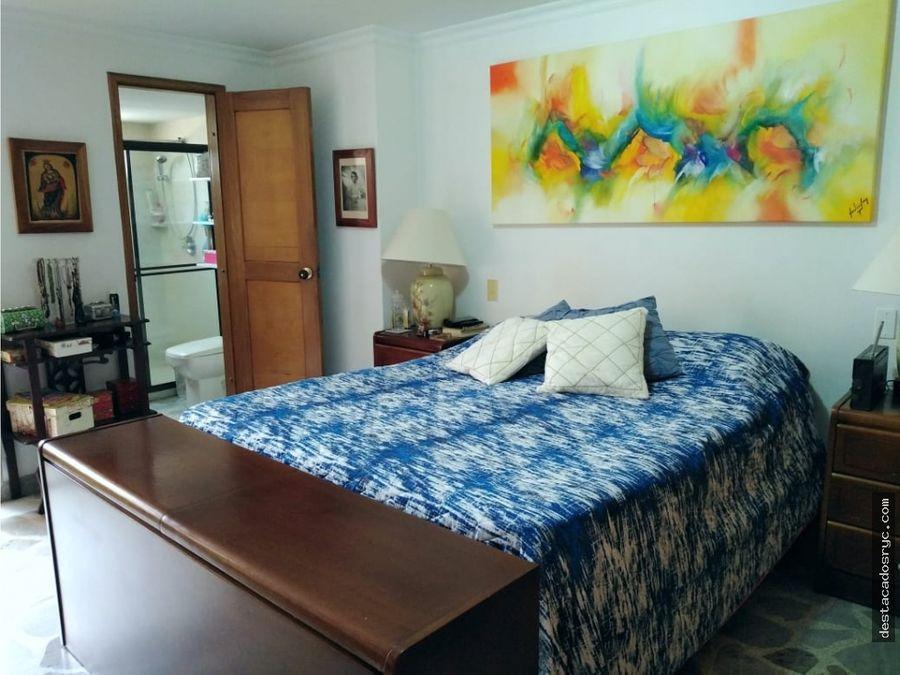 amplio apartamento en venta en medellin laureles
