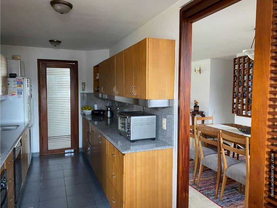 apartamento en venta en el poblado sector la tomatera