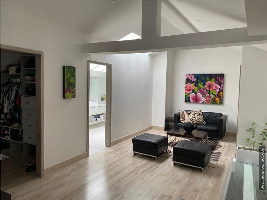 apartamento remodelado en venta en el poblado las lomas