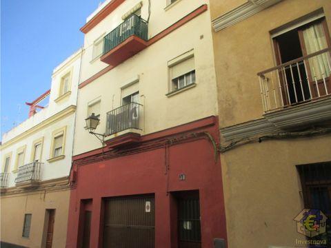 edificio en barrio de la vina en cadiz