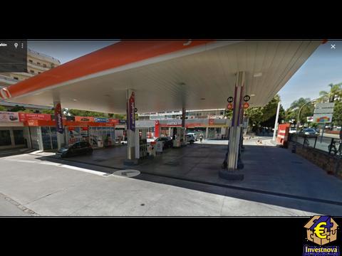 gasolinera con locales en importante ciudad malaguena