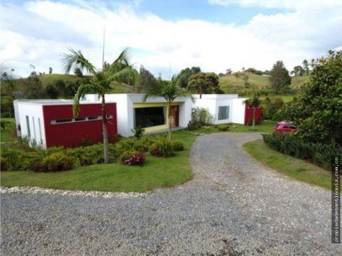 casa en venta en el carmen de viboral