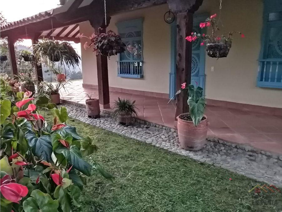 casa lote en venta guatape en sector los benedictinos