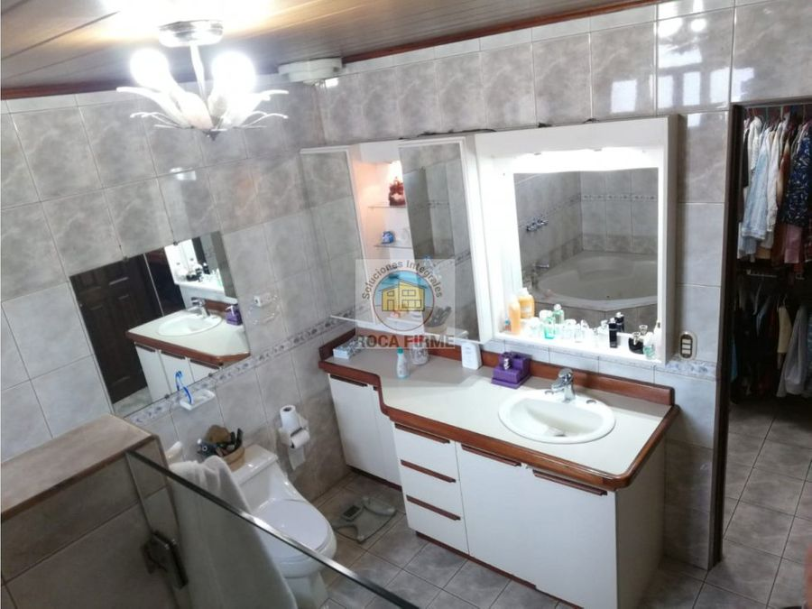 hermosa casa en quizarco