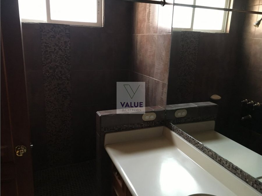 renta townhouse en condominio sector muxbal
