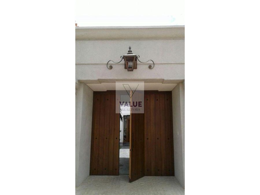 venta espectacular casa en cayala 1200m2 y 3218v2