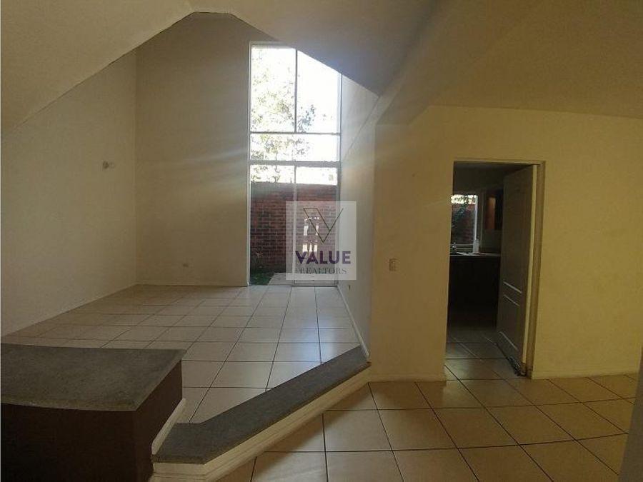 renta casa en condominio z16 3 dorms