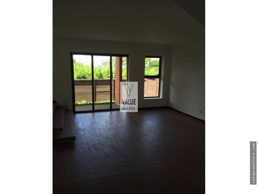 venta lujosa residencia en condominio 1