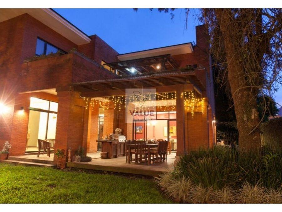 venta casa exclusiva en zona 16 1
