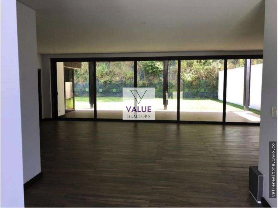 venta y renta casa en exclusivo en cayala